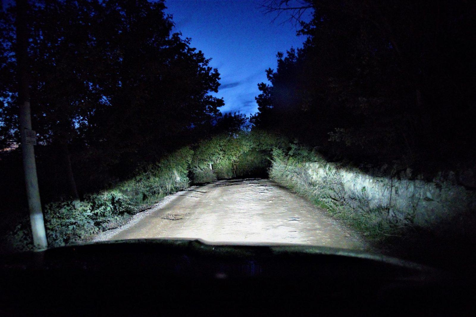 Toscana i mørket bilkjøring