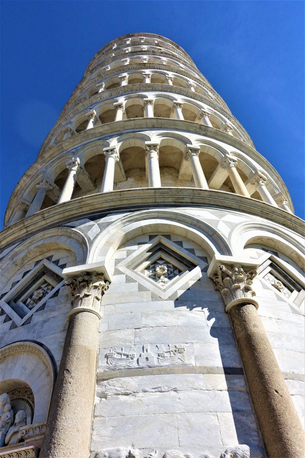 Skjeve tårnet i Pisa detaljer