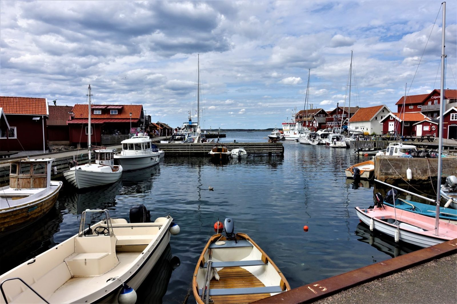 båthamnen på Karingøen