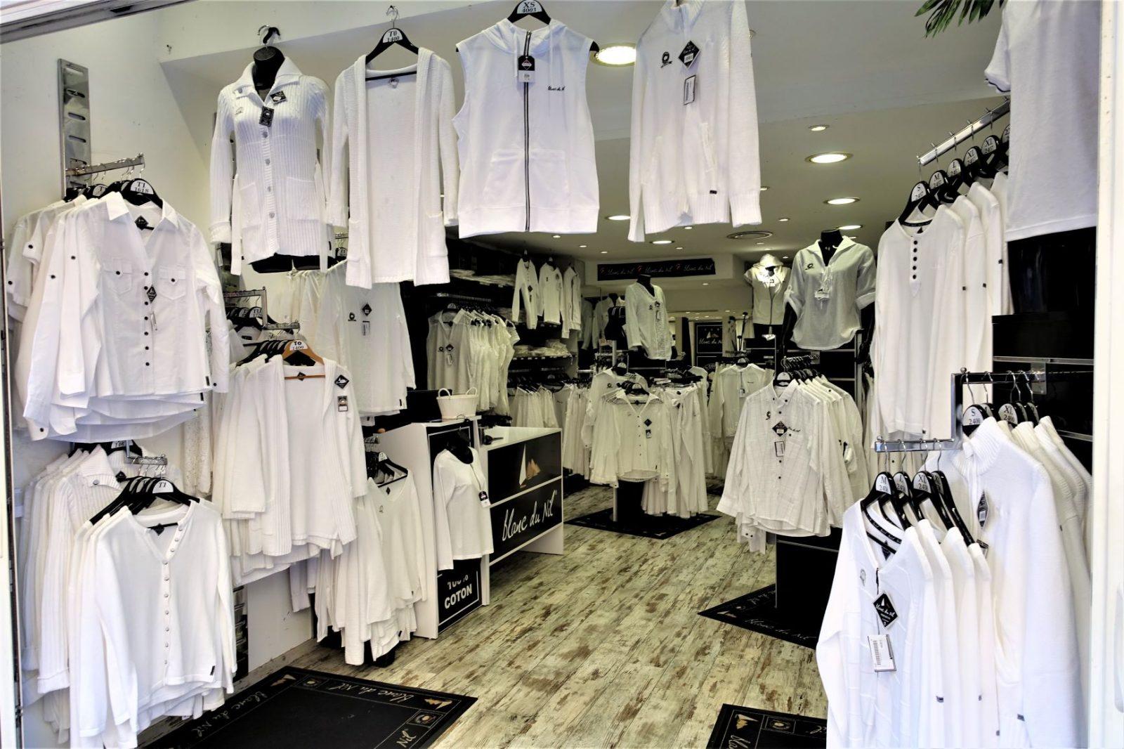Butikk i Nice som selger kun hvite klær i bomull