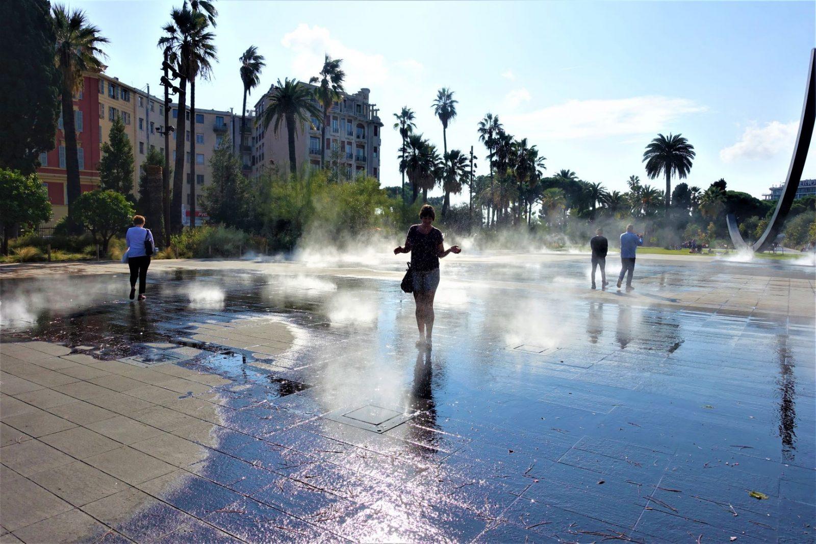 Fonteneparken på Place Massèna er herlig avkjølende i varmen