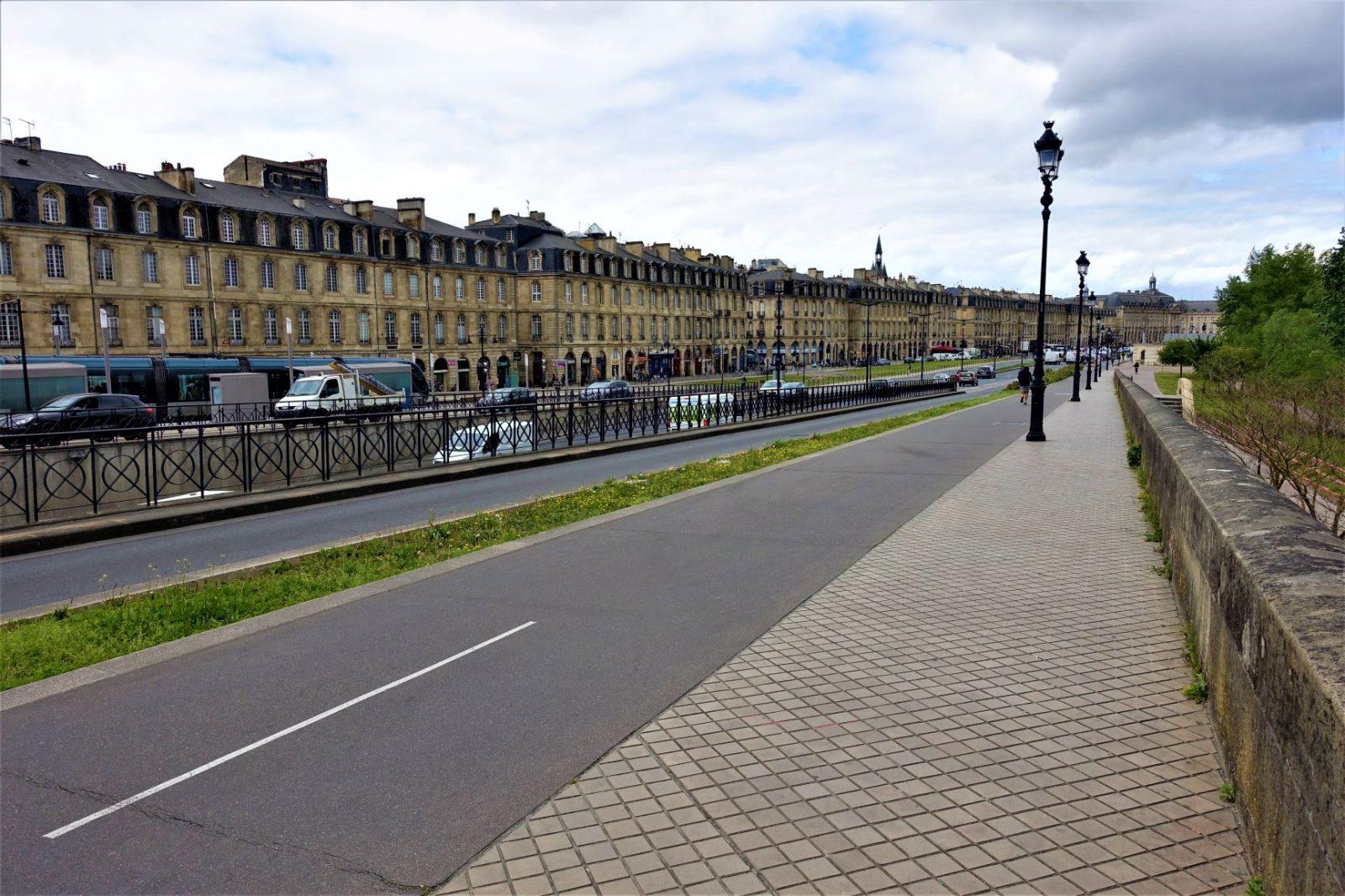 Tur langs kanalen i Bordeux