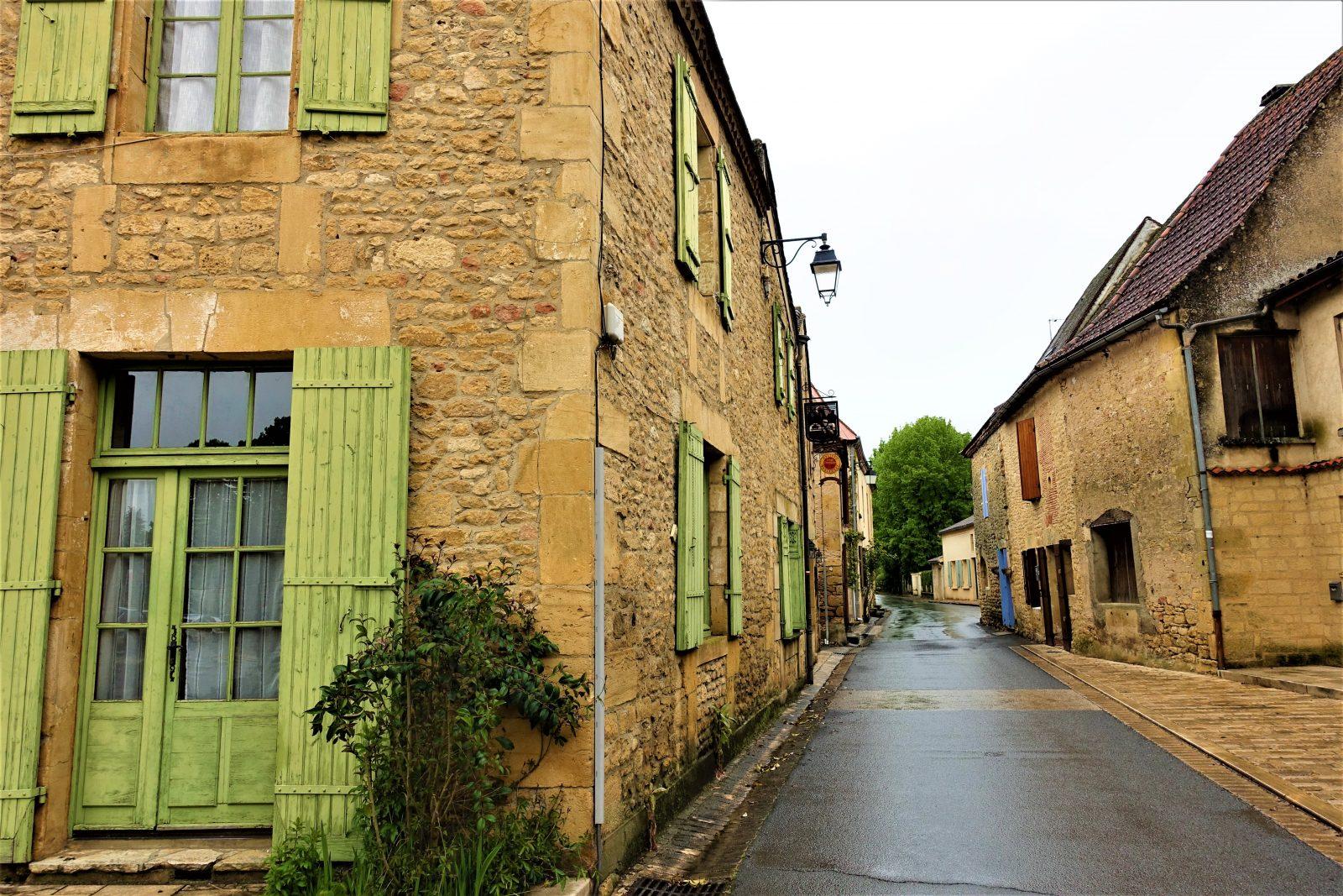liten by franske landsbygda