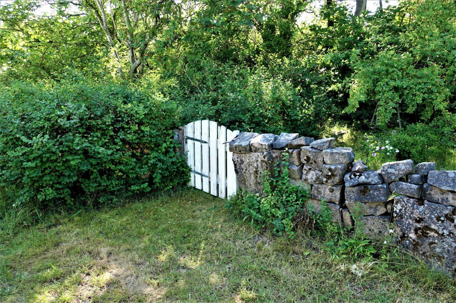 hvit port i steingjerde bohus malmøn