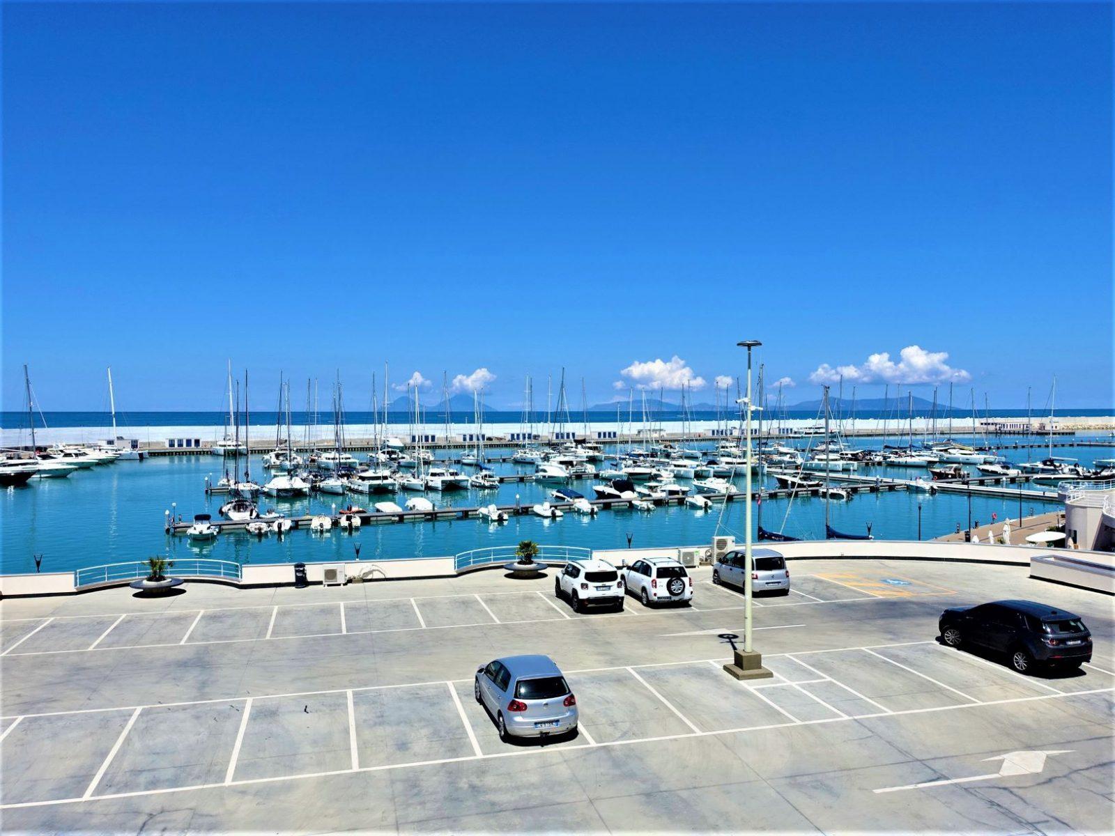 marina på Sicilia nord på øya
