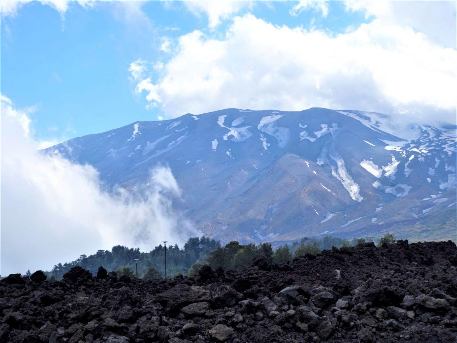 Vulkanen Etna på toppen