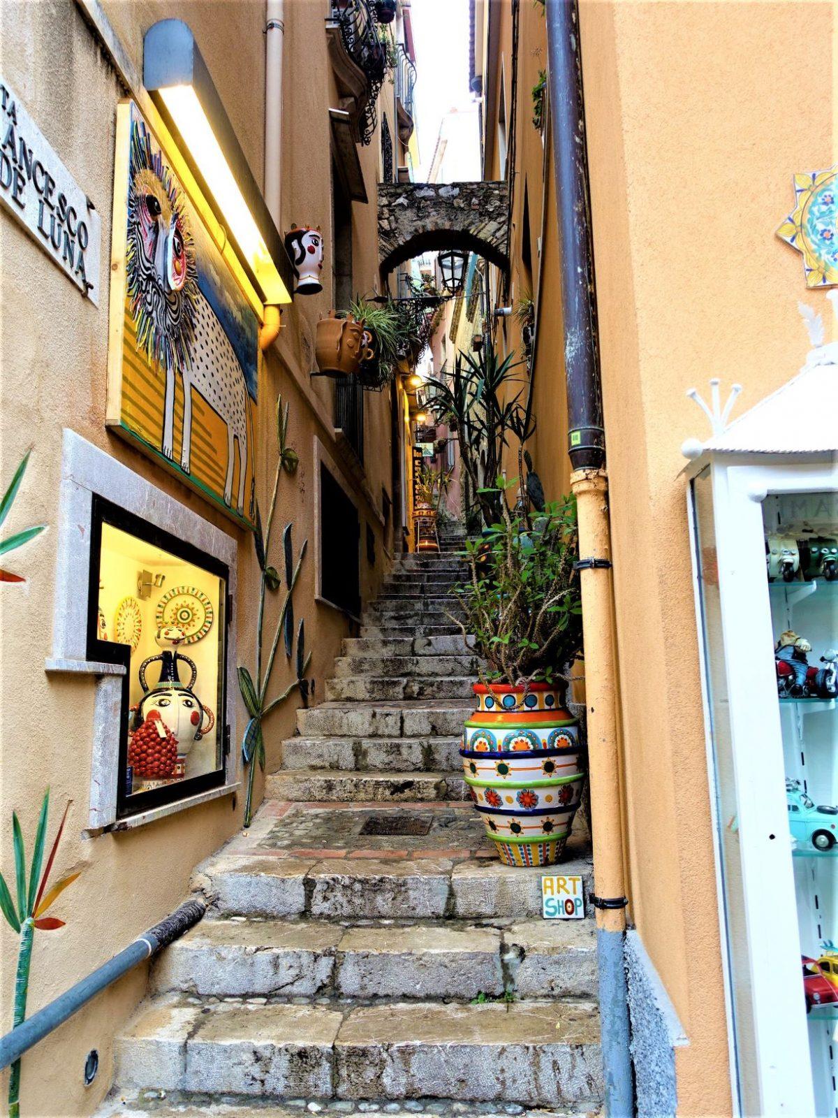 Gate taormina Sicilia