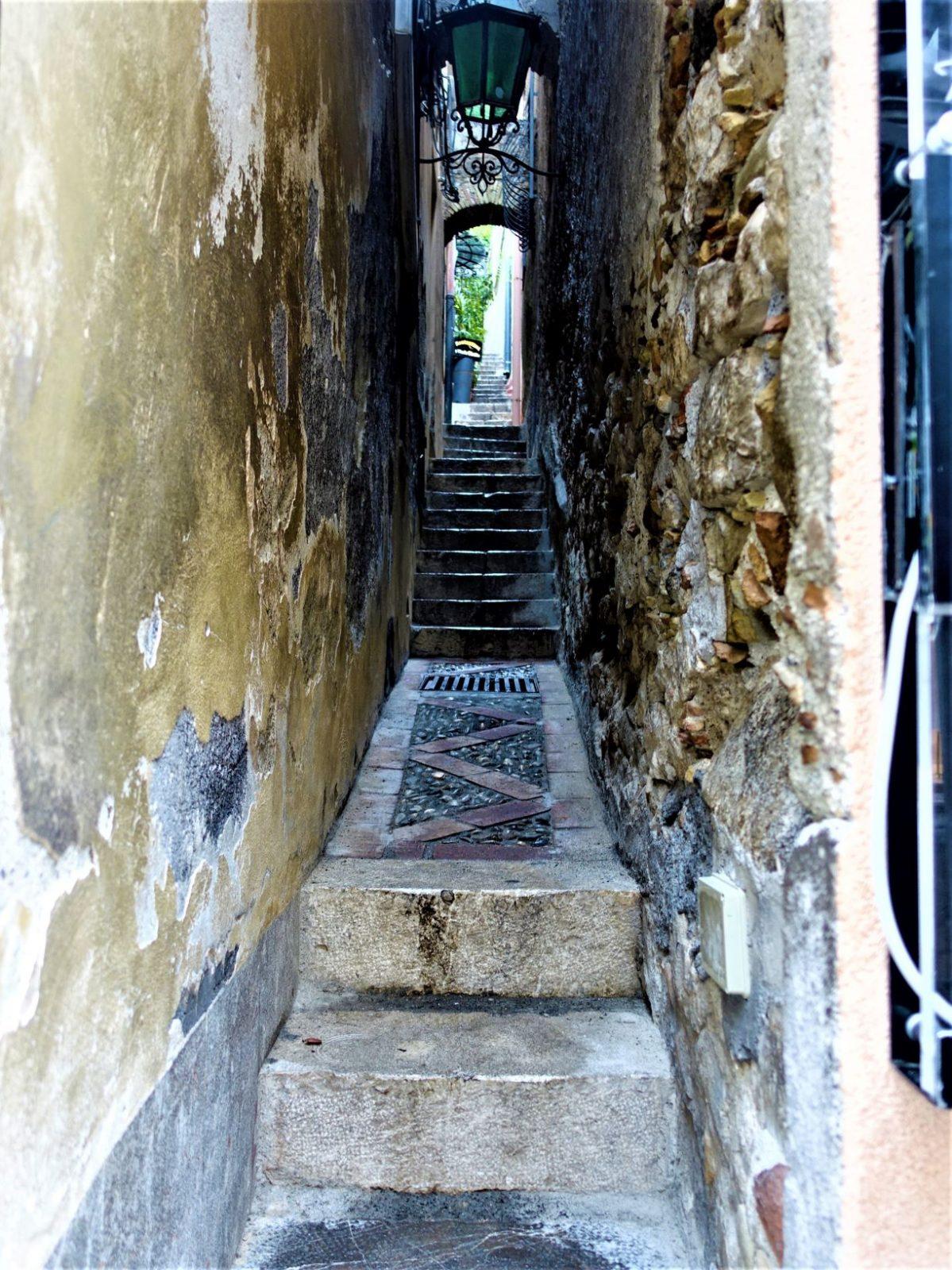 Smal gate Taormina Sicilia