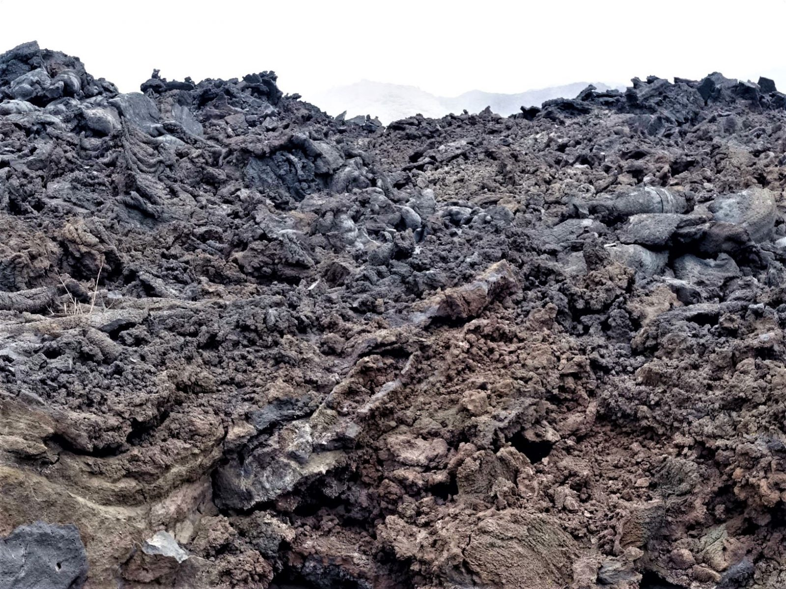 Lavastrøm Etna vulkanen på Sicilia