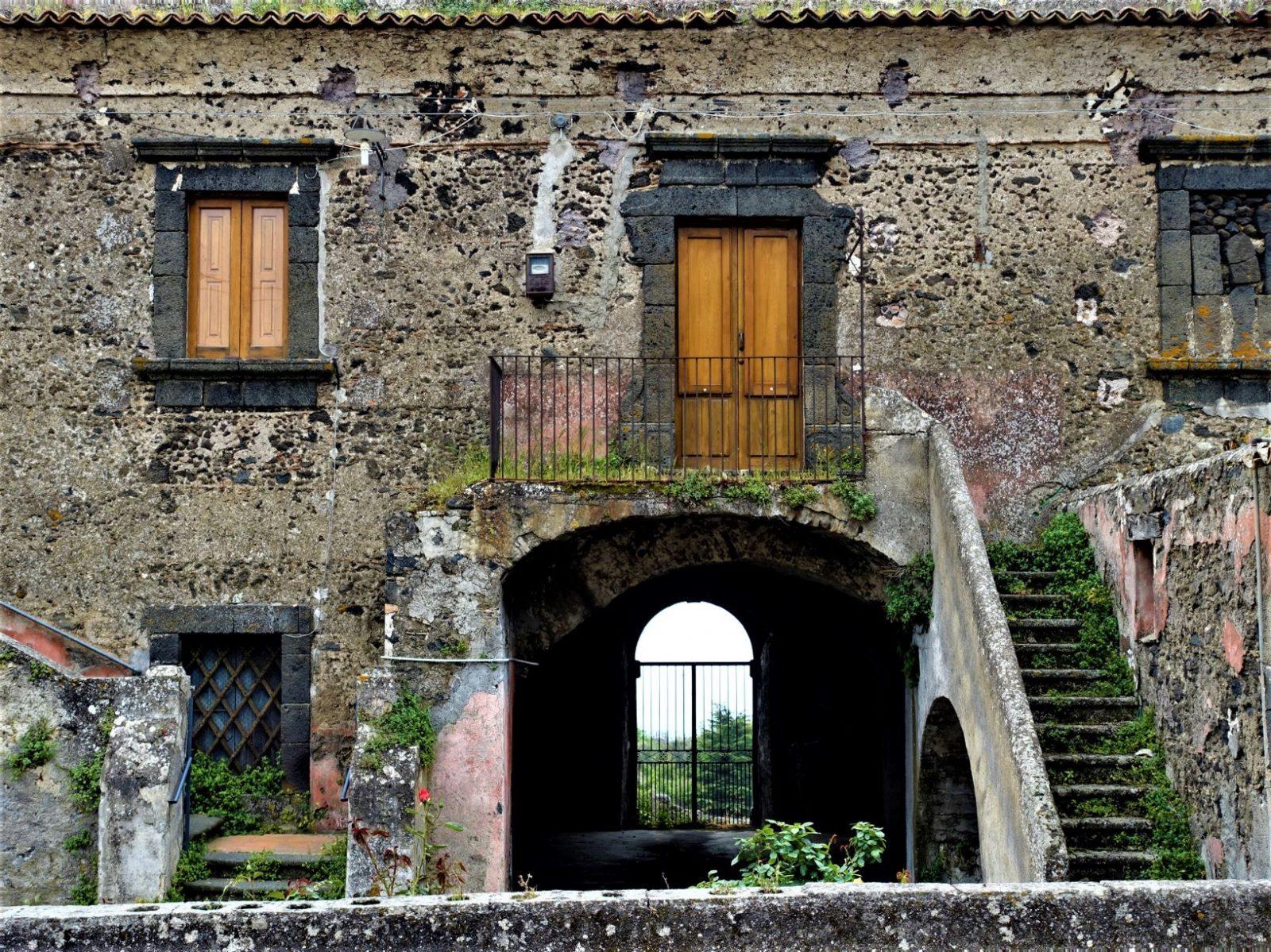 gammelt bygg Catania Sicilia
